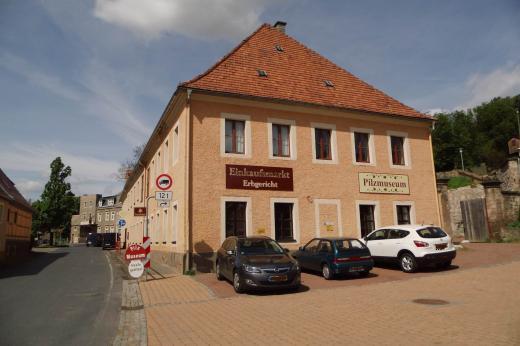 1. Stock befindet sich das Pilzmuseum